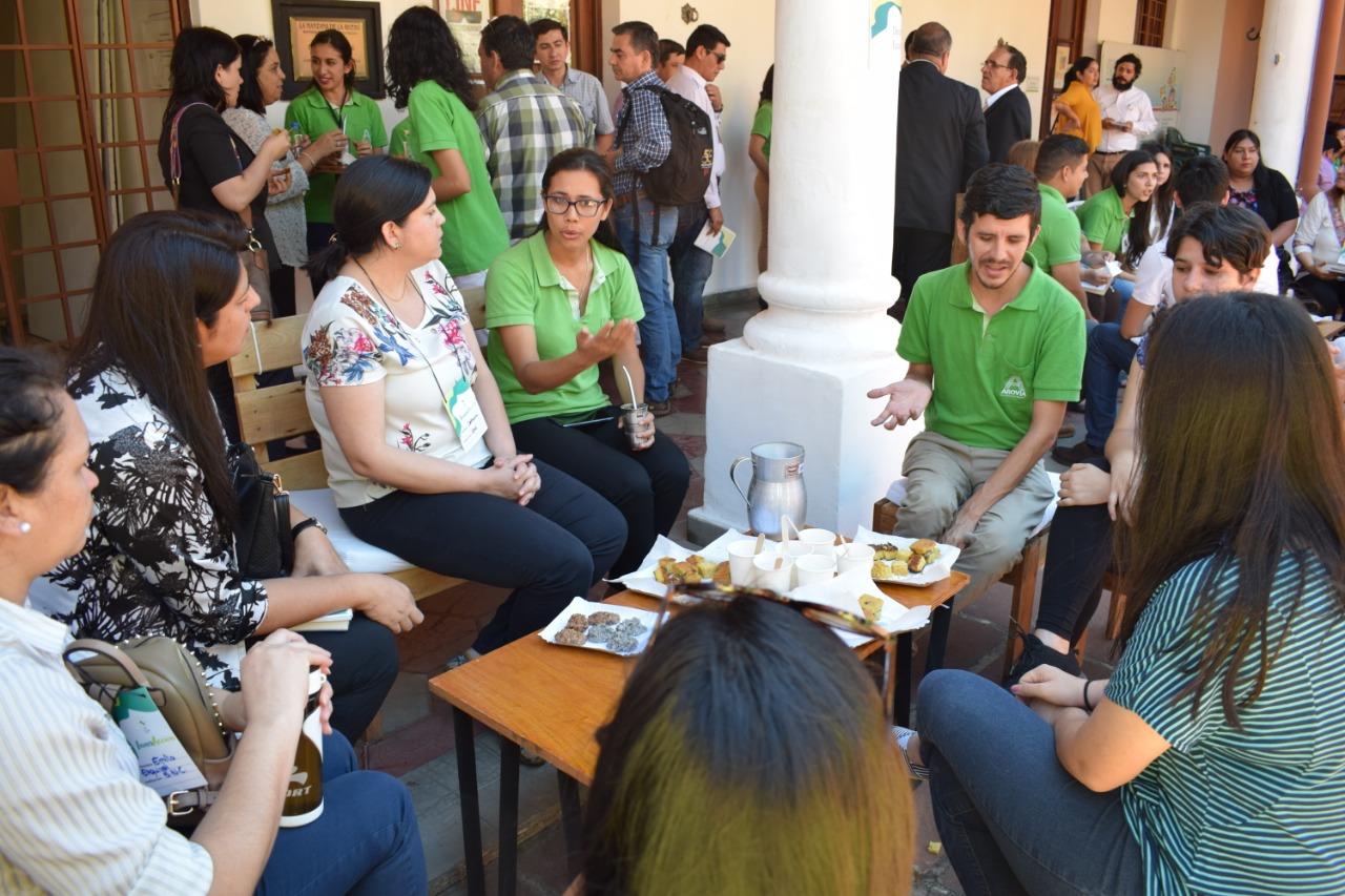 AROVIA y Servicio País compartieron experiencias de InnovAcción